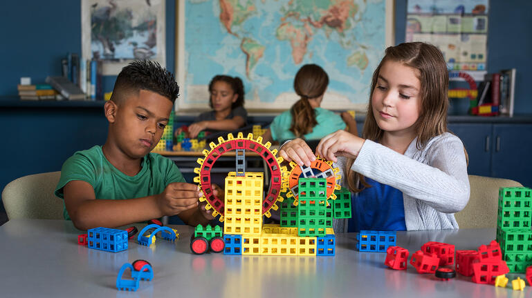 Elementary school students enjoy STEM activities for kids with Kid Spark ROK Blocks